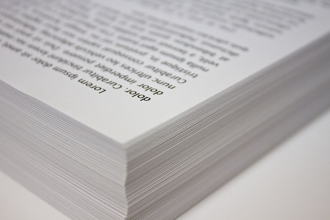 1280px-stack_of_copy_paper